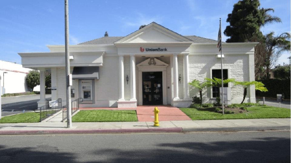 Union Bank Cerritos Center Branch
